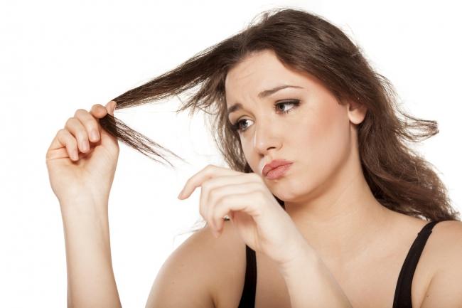 Padají vám vlasy? Podpořte čchi ledvin a jater!